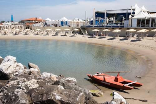 Alberghi di marina di pisa hotel in provincia di pisa - Bagno sardegna marina di pisa ...
