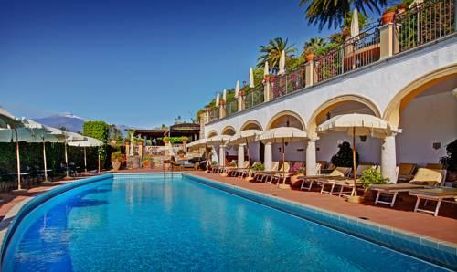 Alberghi di lusso a taormina hotel con tariffe decisamente care - Hotel con piscina catania ...