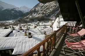 Alberghi subito disponibili a courmayeur prenotazioni con for Logis hotel meuble emile rey
