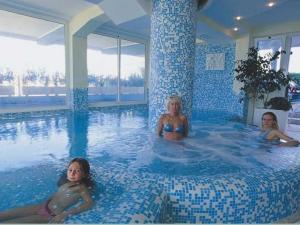 Hotel hotel baia imperiale a san giuliano a mare - Piscina san giuliano milanese ...