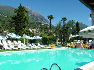 Hotel hotel maderno a toscolano maderno provincia di brescia - Hotel giardino toscolano maderno ...