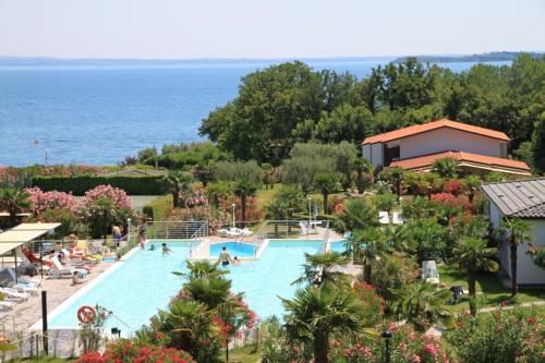 Hotel di manerba del garda adatti ai bambini alberghi con giochi e servizi per bambini - Hotel manerba del garda con piscina ...