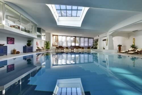 Alberghi per sportivi a cortina d 39 ampezzo hotel con - Hotel a cortina d ampezzo con piscina ...