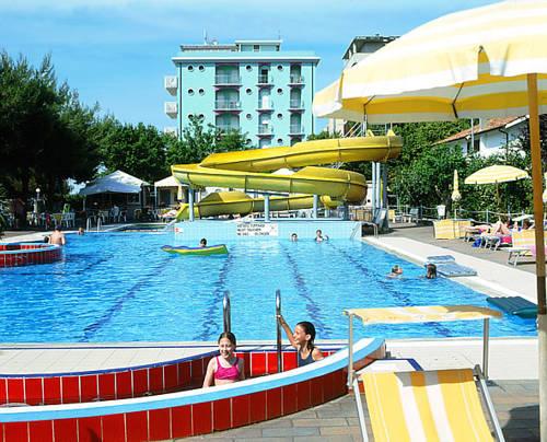 Alberghi subito disponibili a misano adriatico - Hotel misano adriatico con piscina ...