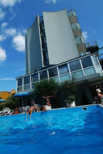 Alberghi di viserbella accessibili ai disabili hotel for Bagno 69 rimini
